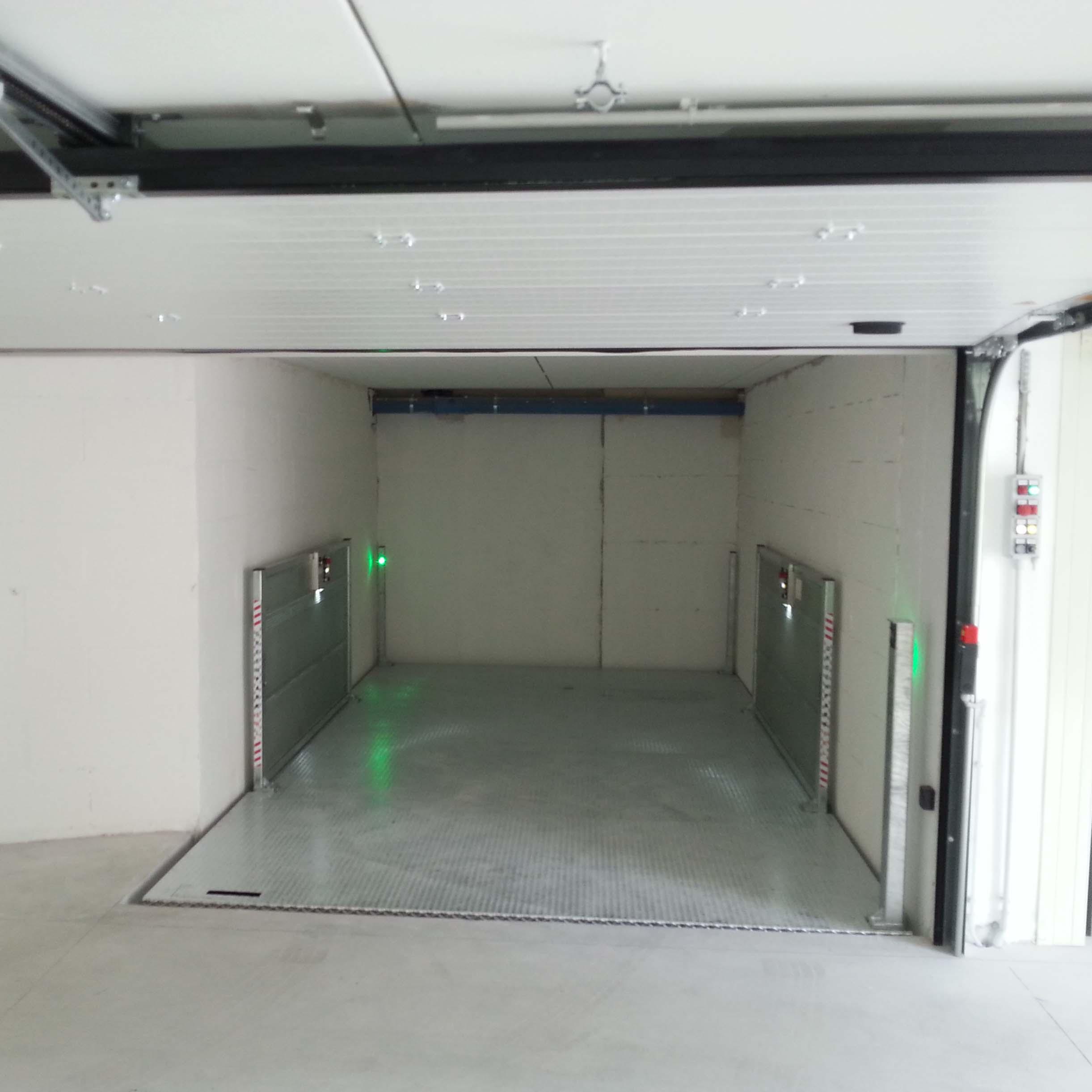 ascensore per auto con ampia apertura