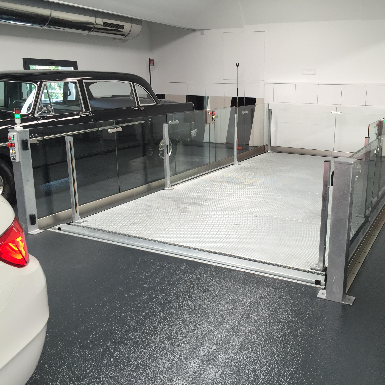 ascensore per auto con vano corsa in vetro6