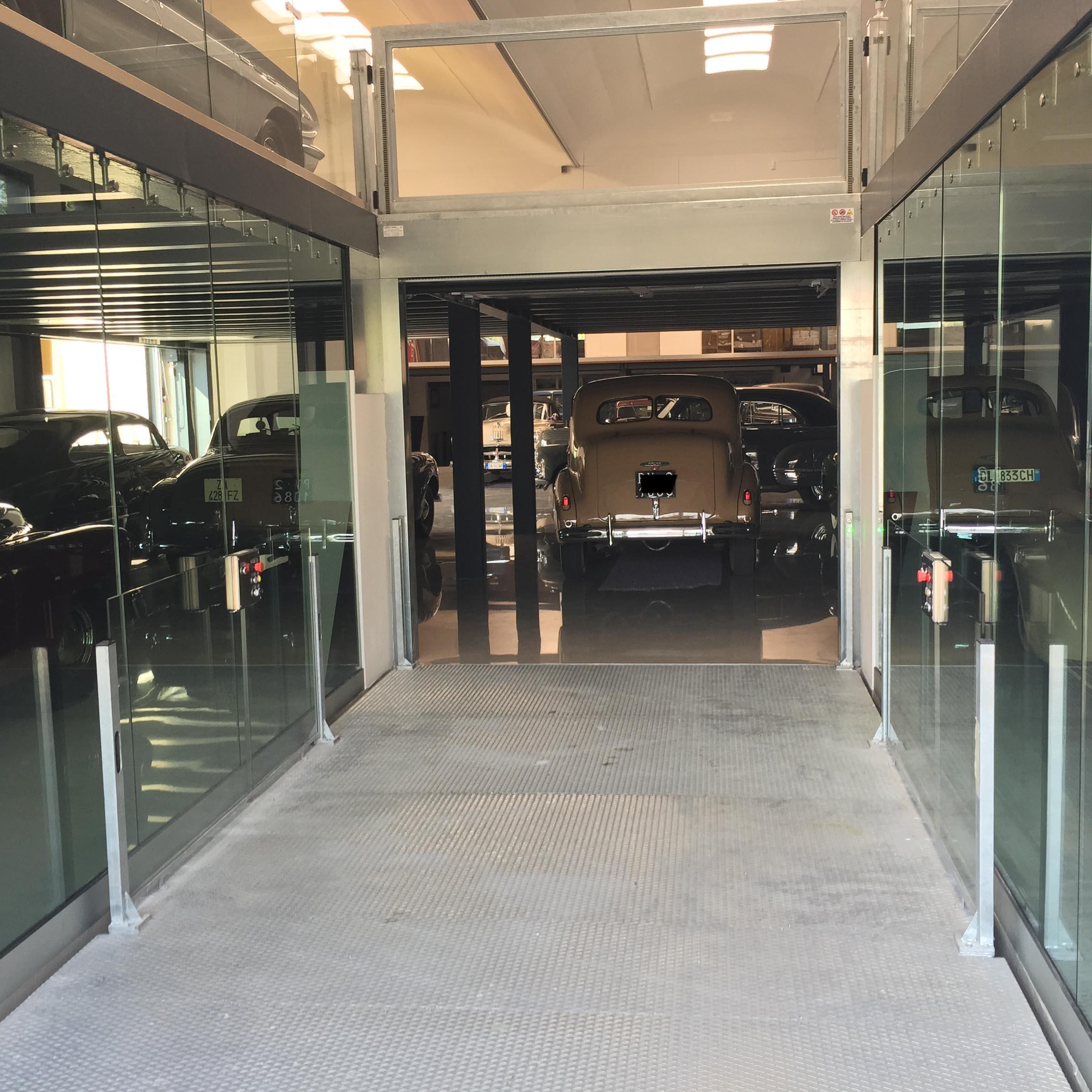 ascensore per auto con vano corsa in vetro8