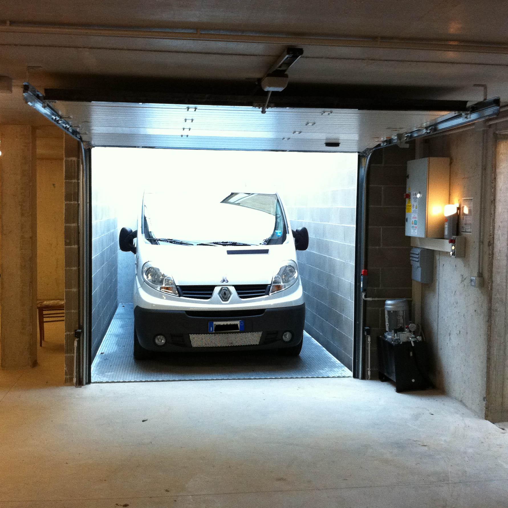 ascensore per auto piano interrato